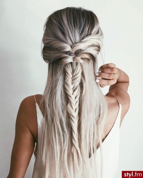 Fryzury Damskie Długie Włosy Warkocze