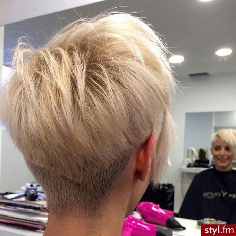 Fryzury Krótkie Damskie Blond