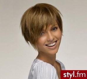 Ciemny Blond Krótkie Włosy