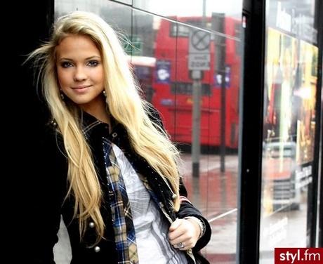 Długie Włosy Blond Fryzury