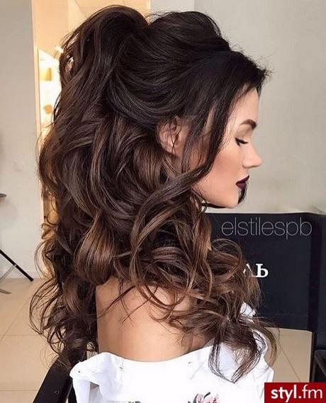 Fryzury Wieczorowe Długie Włosy Rozpuszczone