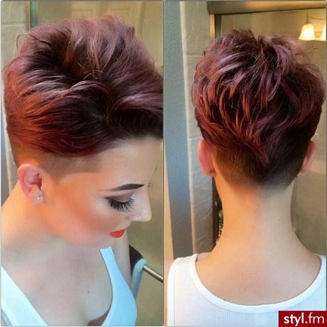Rude Włosy Krótkie Fryzury