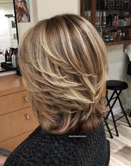 Fryzury Cieniowane Włosy Półdługie