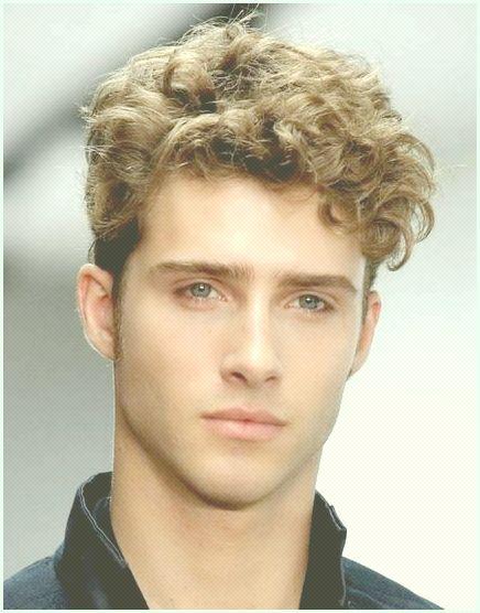 Kręcone Włosy U Mężczyzn