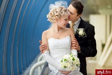 Fryzury ślubne Do Toczka