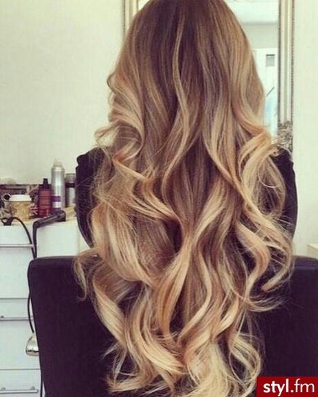 Fryzury Studniówkowe Długie Włosy Rozpuszczone