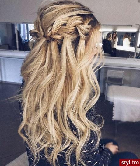 Fryzury Z Rozpuszczonymi Włosami